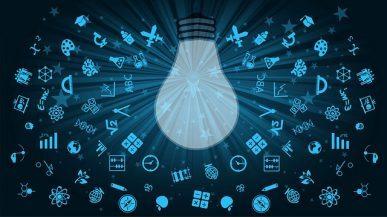 Imagem: lâmpada de ponta cabeça com vários ícones ao redor.