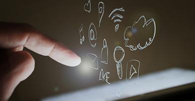 Imagem: ícones de apps saindo da tela de celular. app para aumentar a sua entrega.