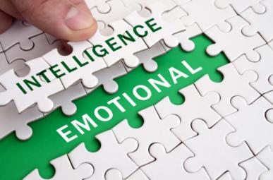"""Imagem: quebra-cabeça que forma a frase""""inteligência emocional"""" em inglês."""