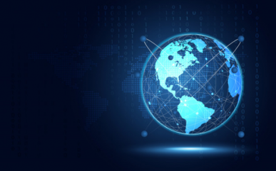 Imagem: fundo azul com o planeta Terra iluminado, representando a transformação digital.