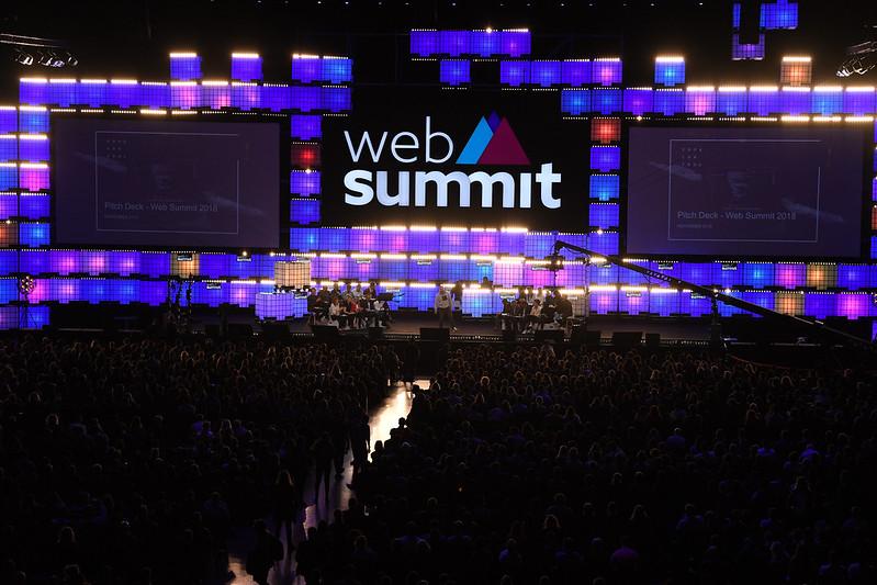 Foto: palco do evento Web Summit, que conta com startups brasileiras.