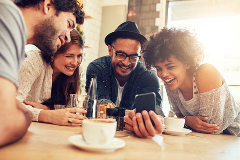 Como os consumidores estarão segurando seus dispositivos?