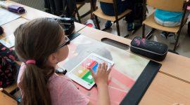 Como encontrar o balanço ideal entre o digital e o analógico na educação das crianças