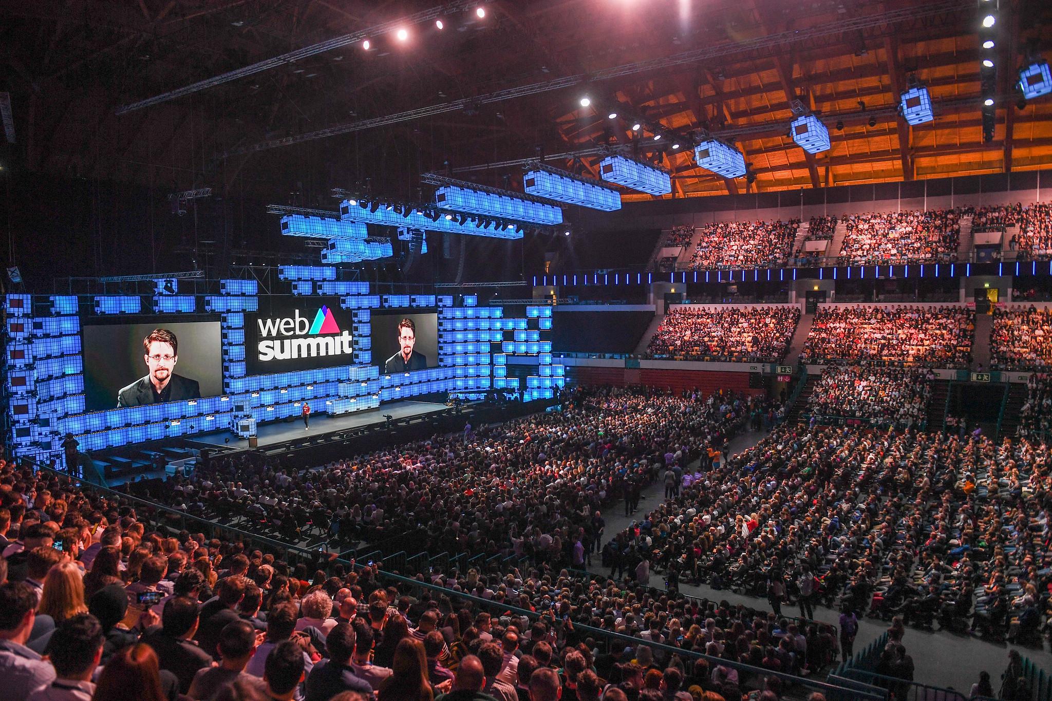 Em 2019, mais de 70.000 pessoas de mais de 150 países que aterrissaram em Lisboa para fazer parte do Web Summit